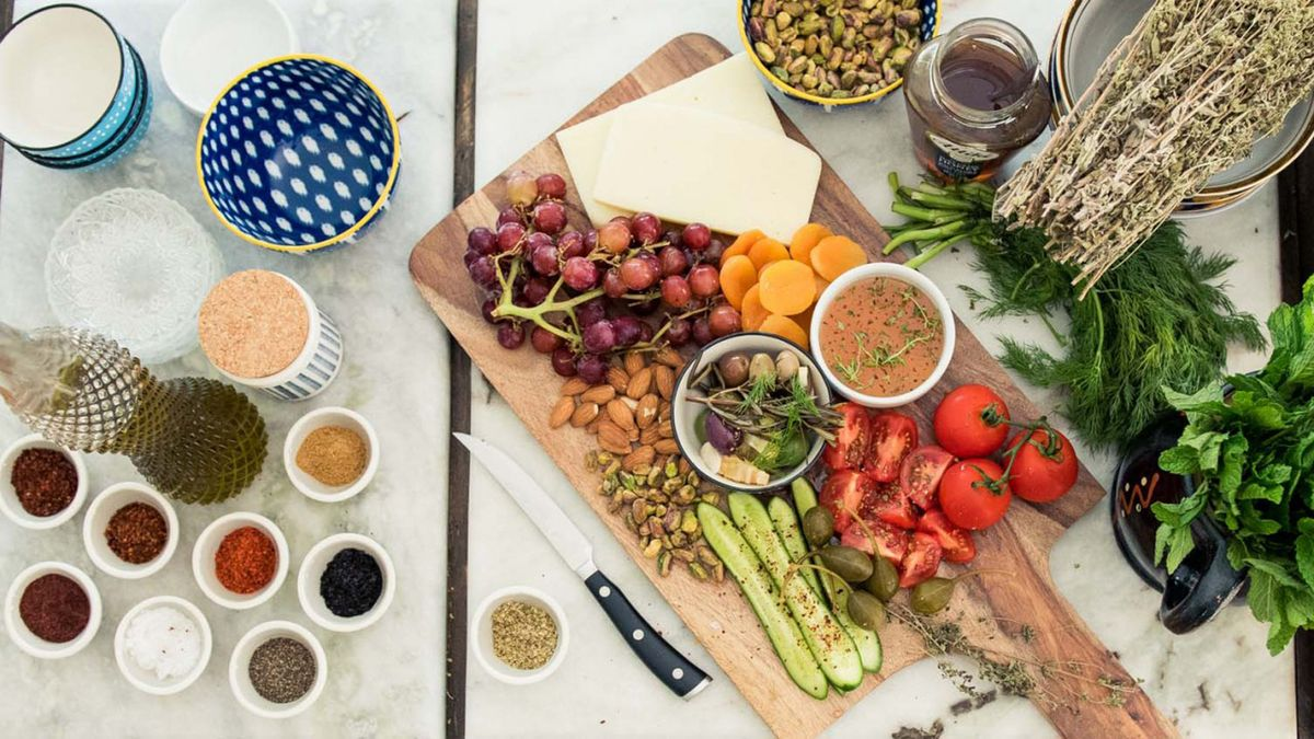 vegan and vegetarian holiday meals not healthy