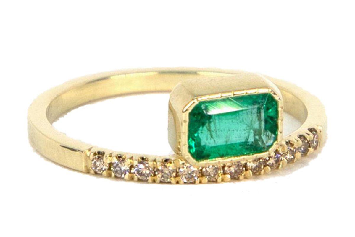 consider the wldflwrs emerald balance ring