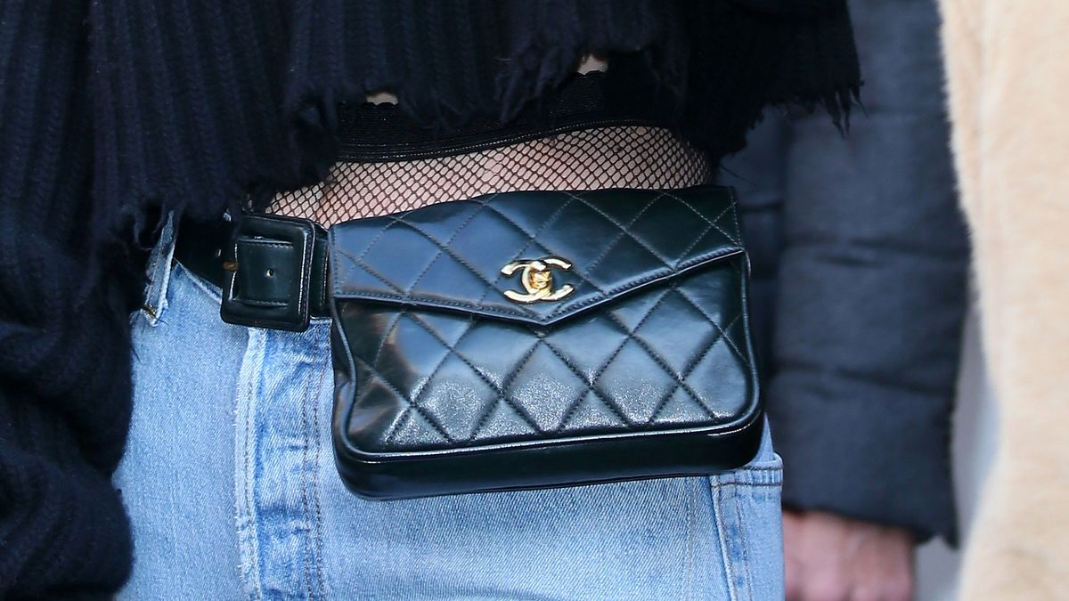 how to style fanny pack