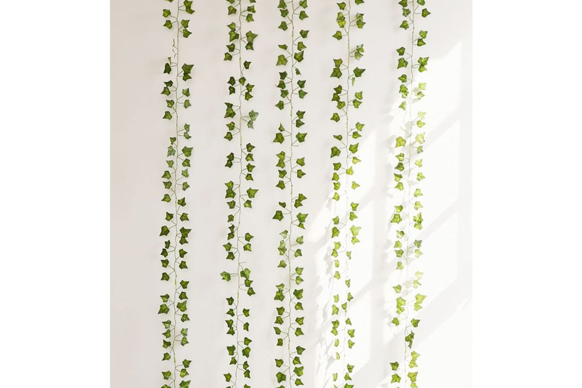 urban outfitters decorative vines set