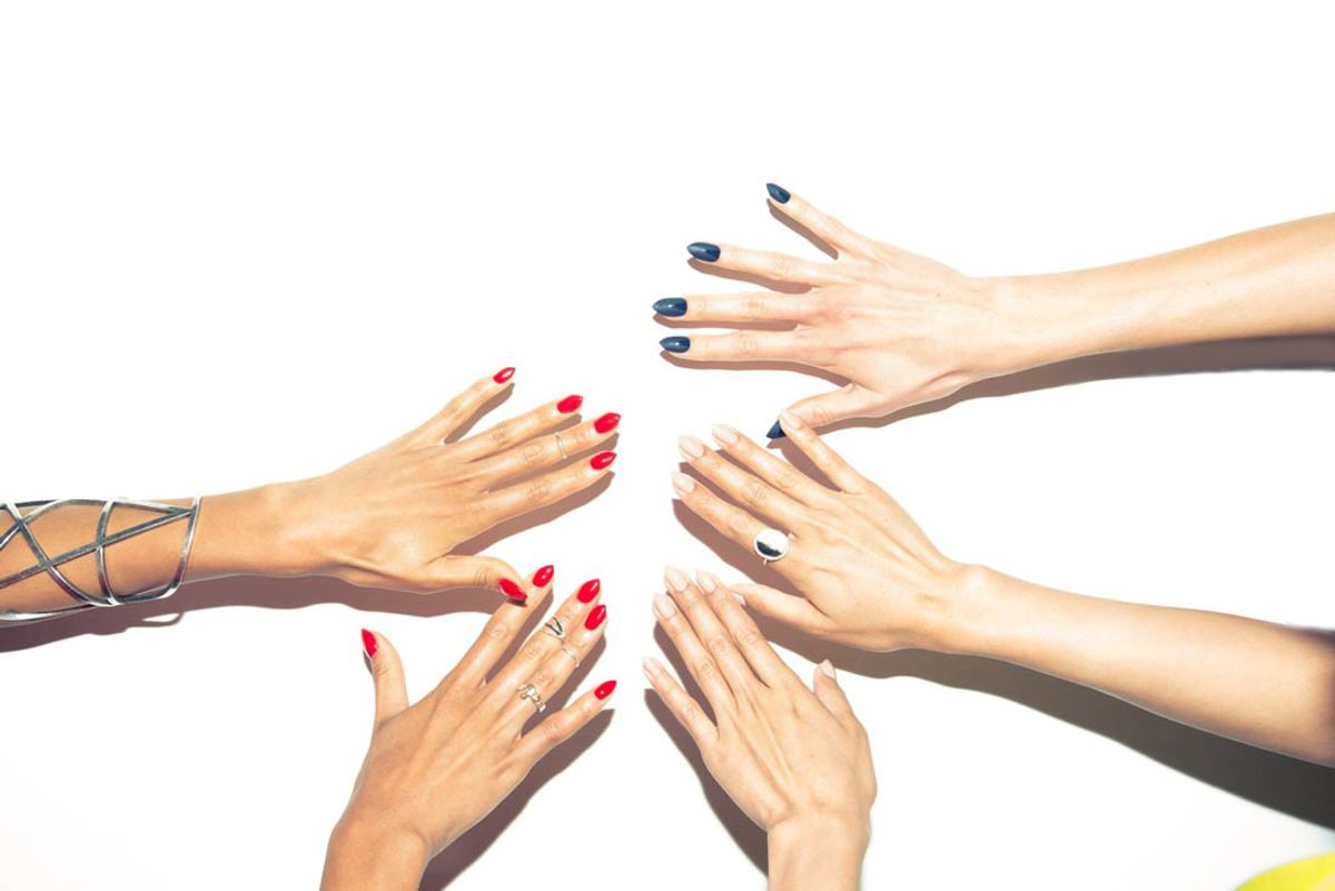 How to Fix a Chipped Manicure in 60 Seconds