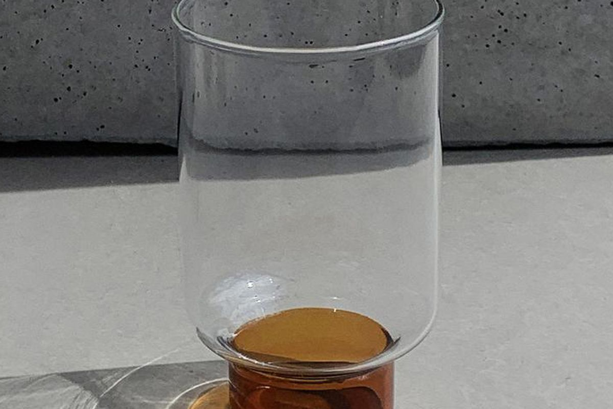 hudson wilder aita amber base tall glass