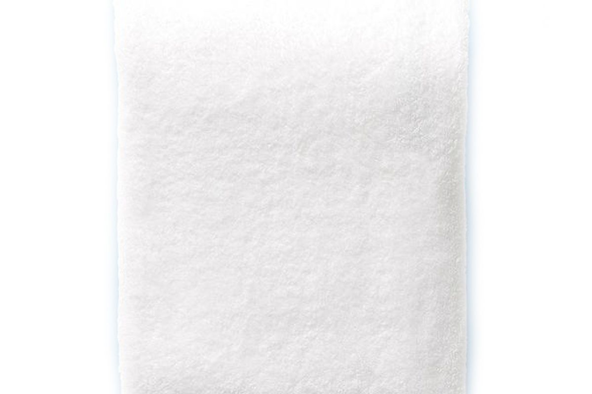 weezie piped edge bath towel