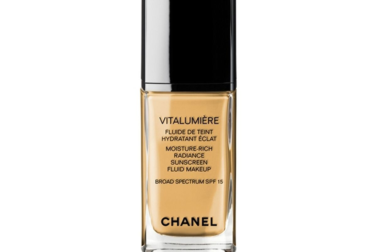 Vitalumiere Moisture-Rich Radiance Sunscreen Fluid Makeup Broad Spectrum SPF 15