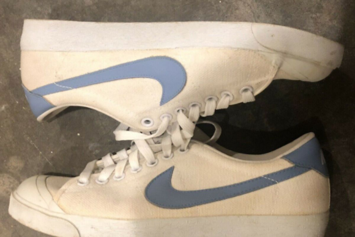 nike vintage 1984 all court tennis shoes