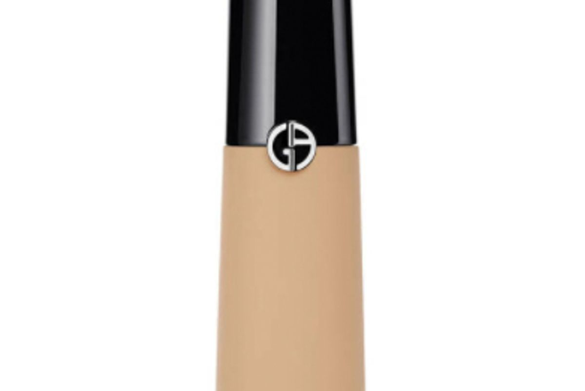 armani beauty luminous silk concealer