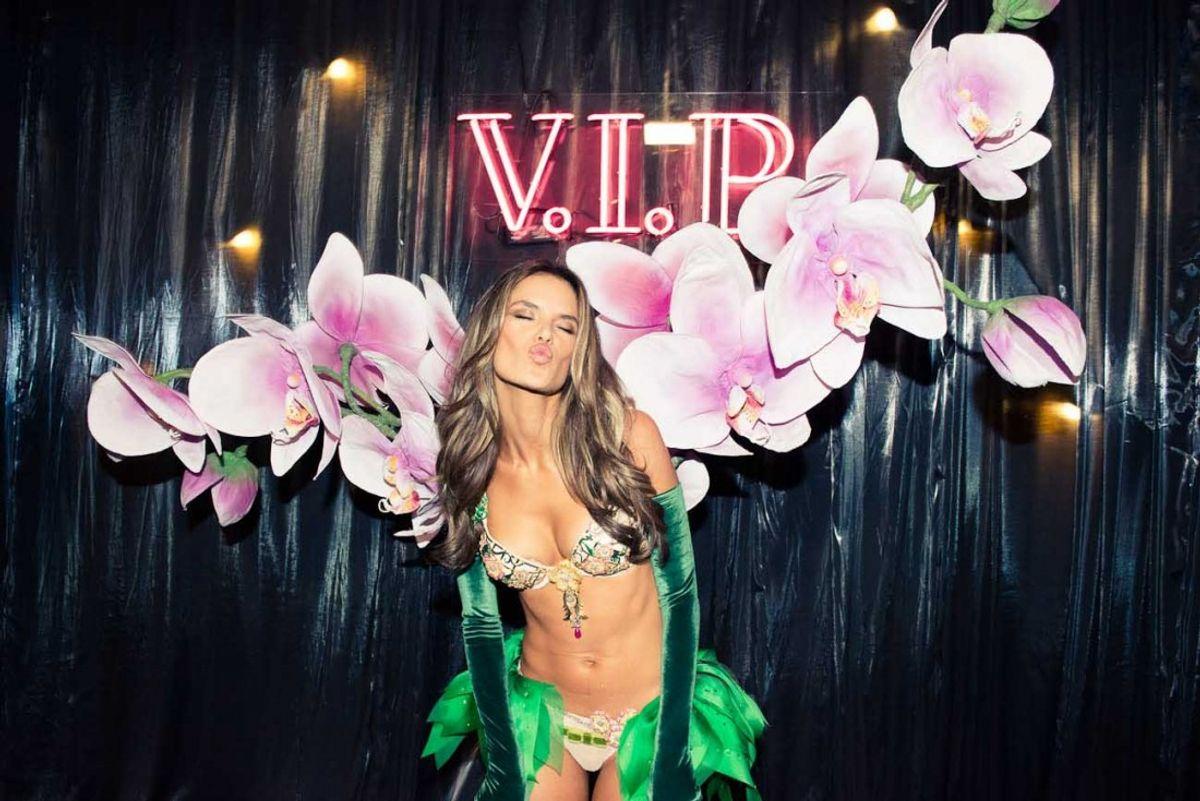 How Victoria's Secret Models Get (& Stay) Fit