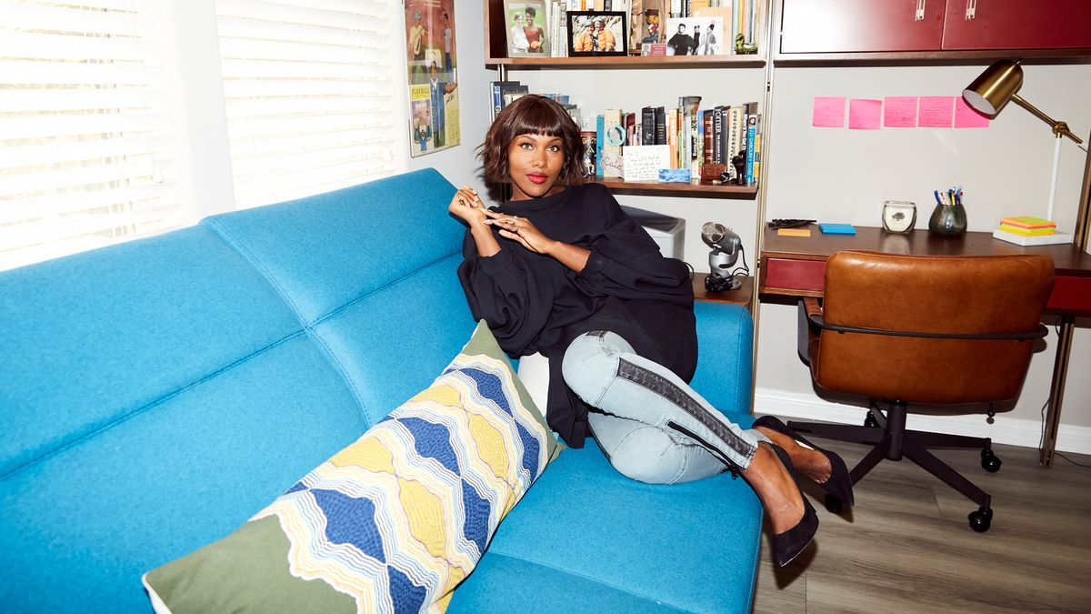 DeWanda Wise Is Embracing Her Stomach Rolls on She's Gotta Have It