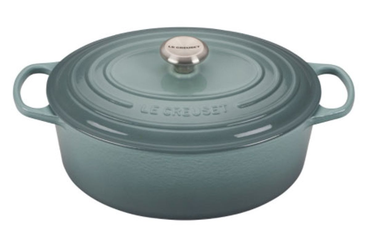 le creuset oval dutch oven