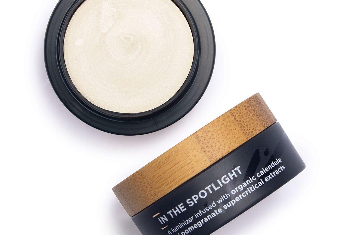 the organic skin co in the spotlight pot