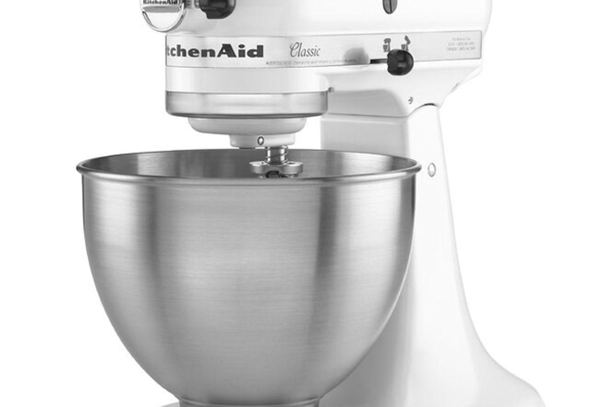 kitchenaid classic series 4 5 quart tilt head stand mixer