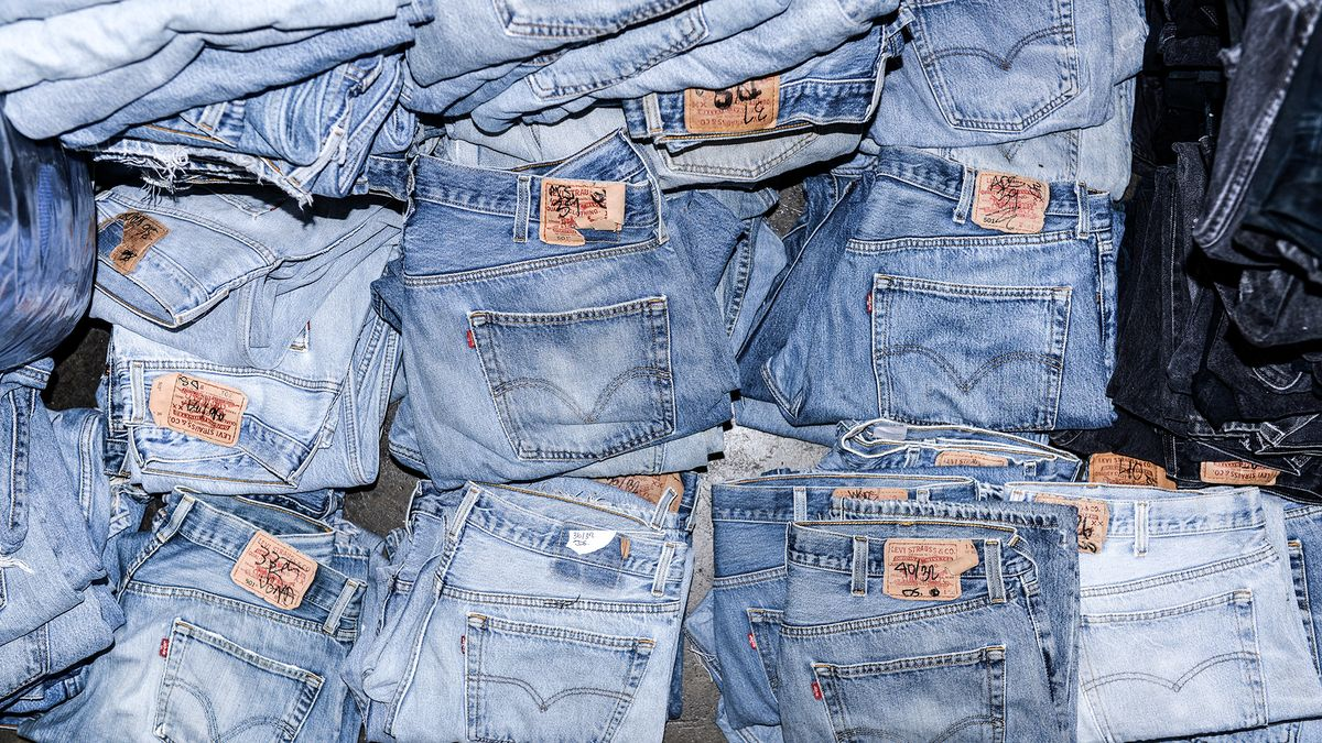 The Reason Why Everyone's Obsessed with Re/Done's Denim
