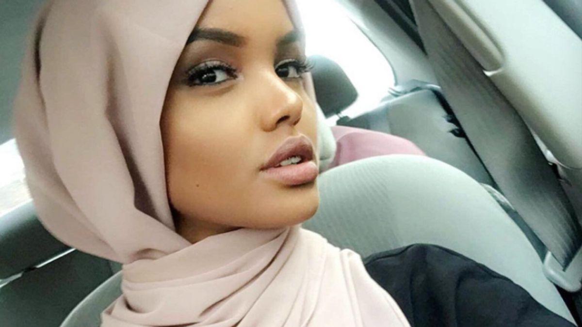 Model Halima Aden Is Completely Devoted to One Tarte Moisturizer