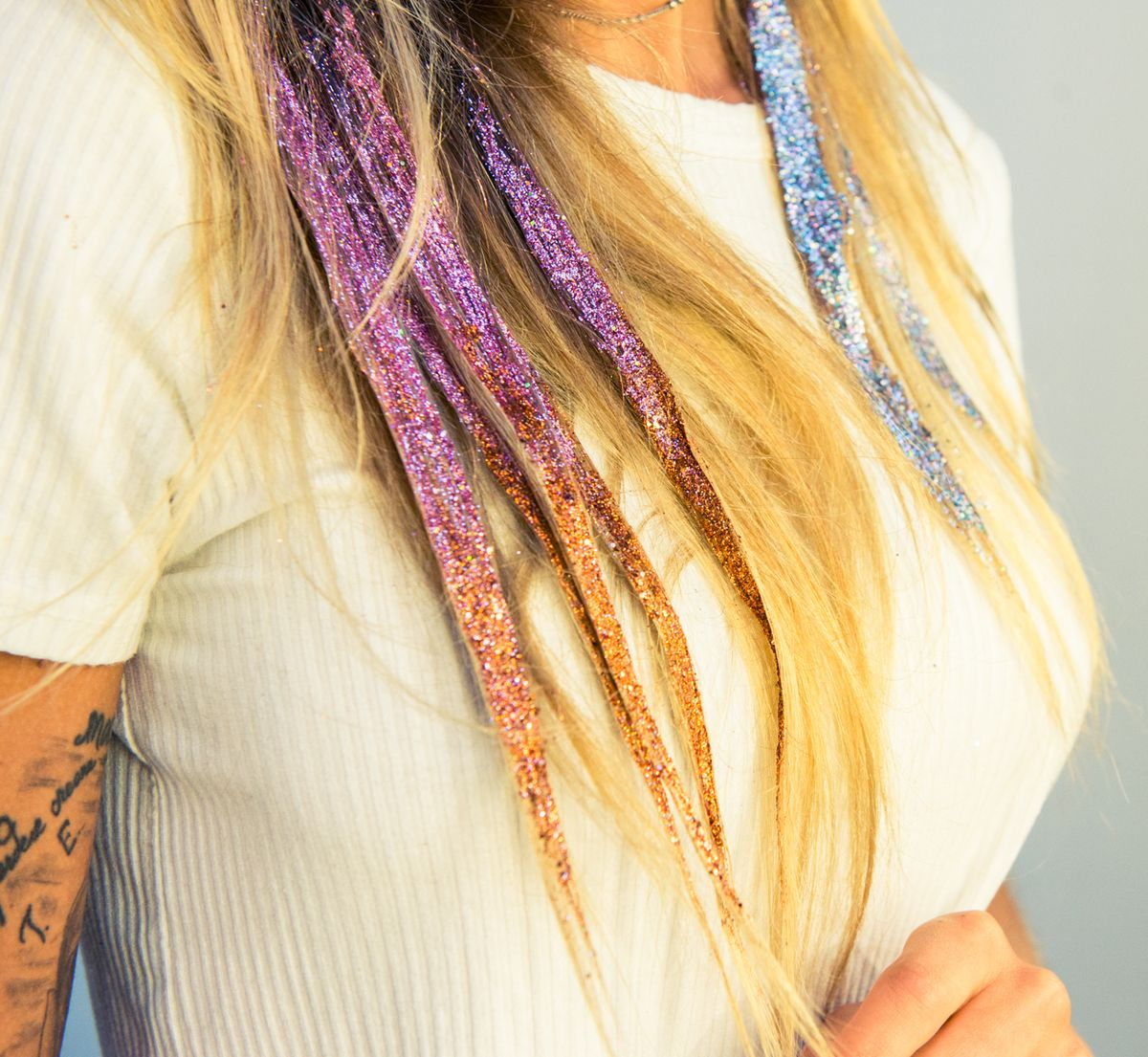 How To Wear Glitter In Your Hair