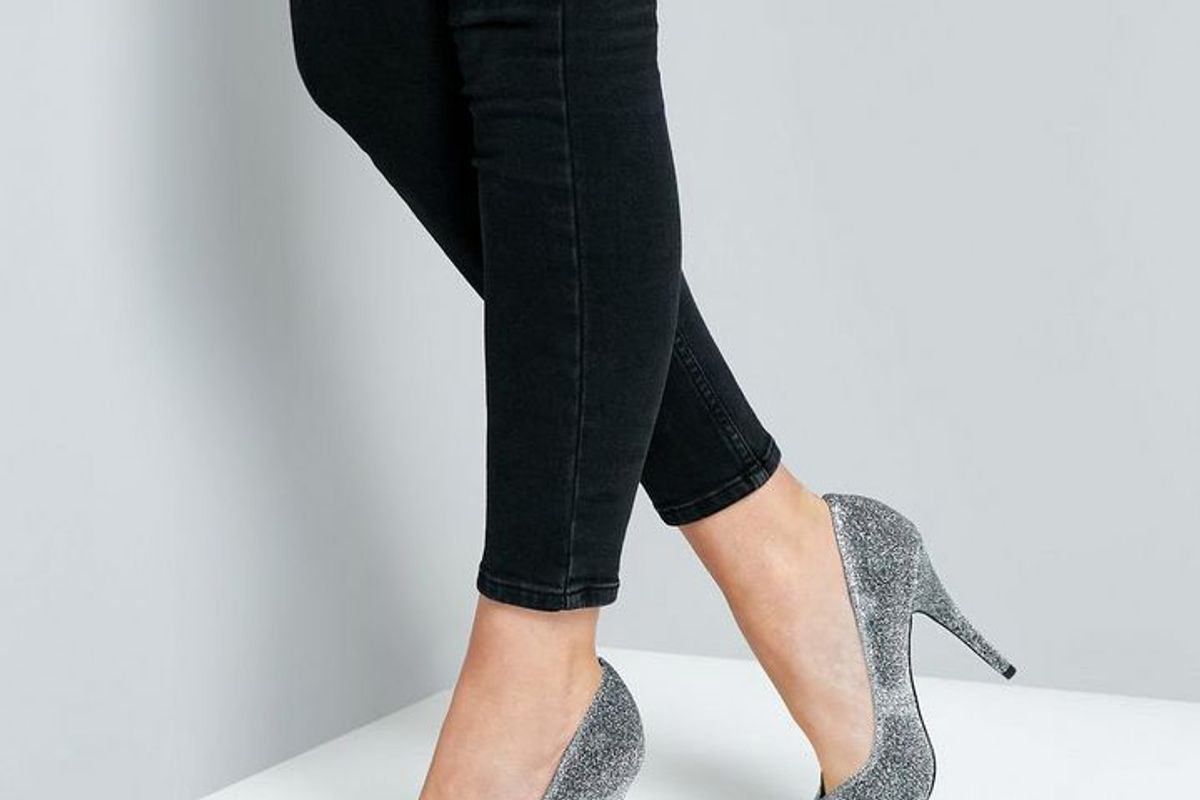 Wide Fit Silver Glitter Pointed Court Shoes