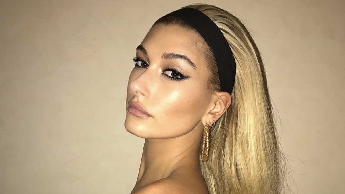 Hailey Baldwin Wore a Headband With Her Fancy Gown—and Pulled It Off
