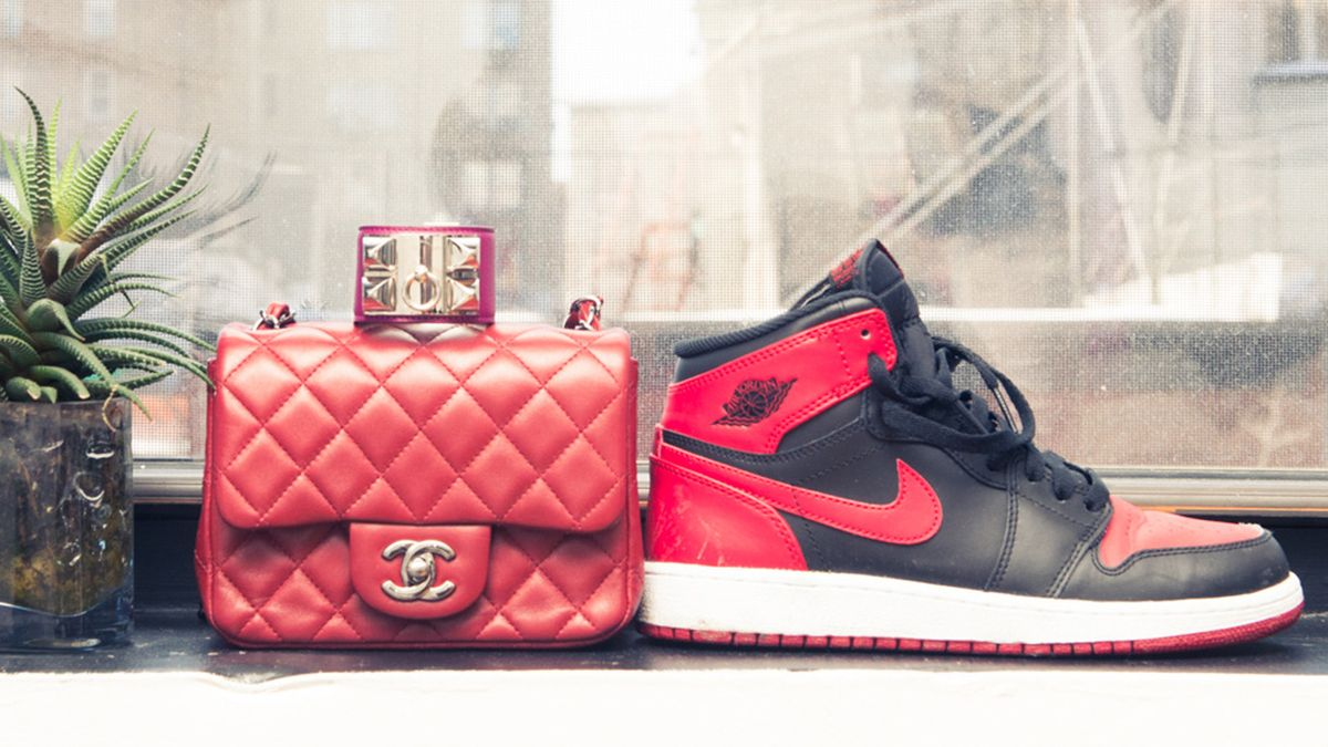 how coveteur editors style sneakers