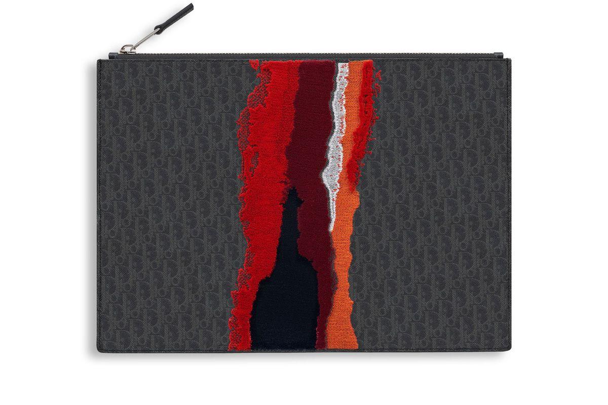 Red Tufted Darklight Canvas Pouch