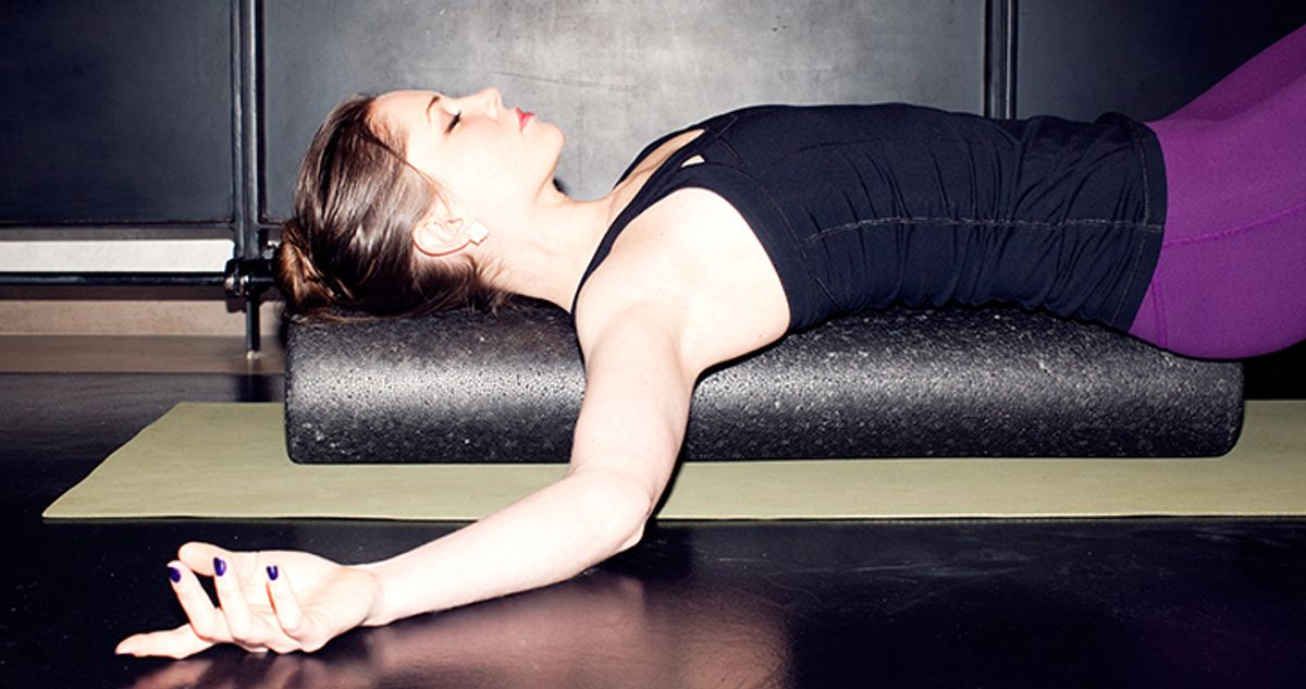 10 Detoxifying Massage Movements to Do with a Foam Roller