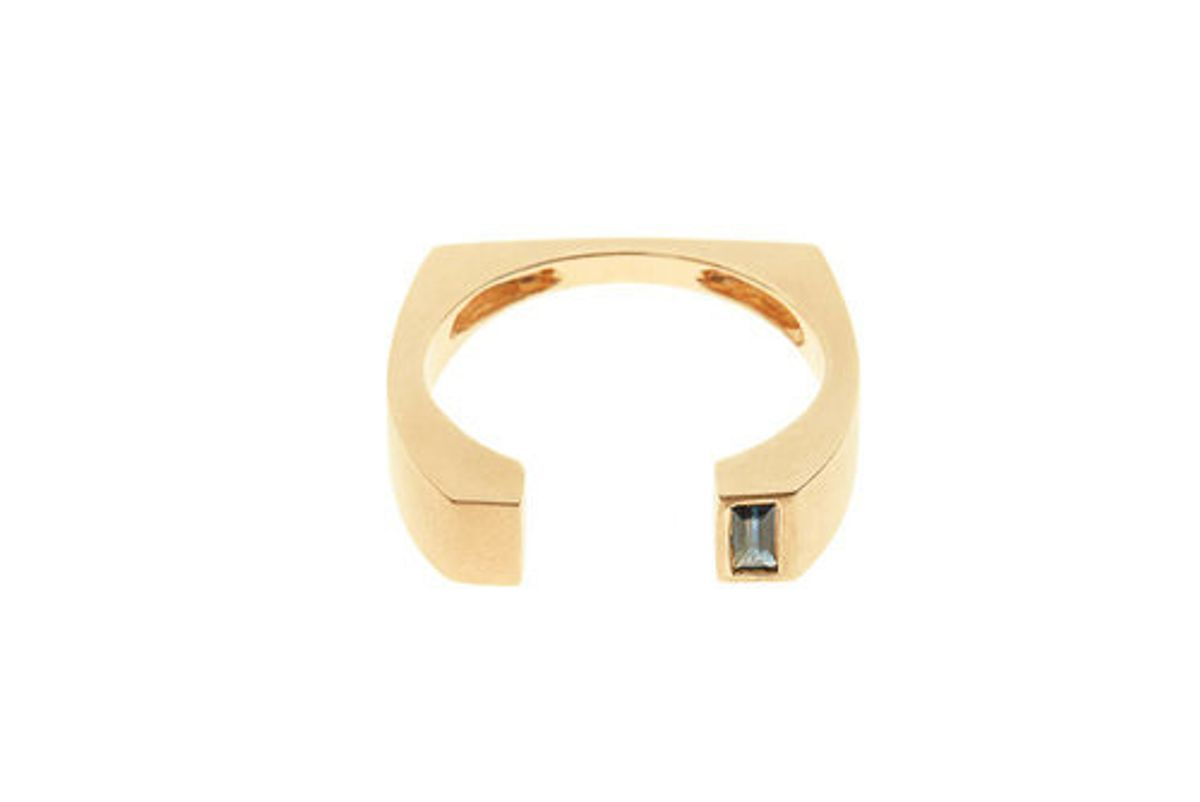 Signature Ring III with Sapphire Baguette, 18K Yellow Gold