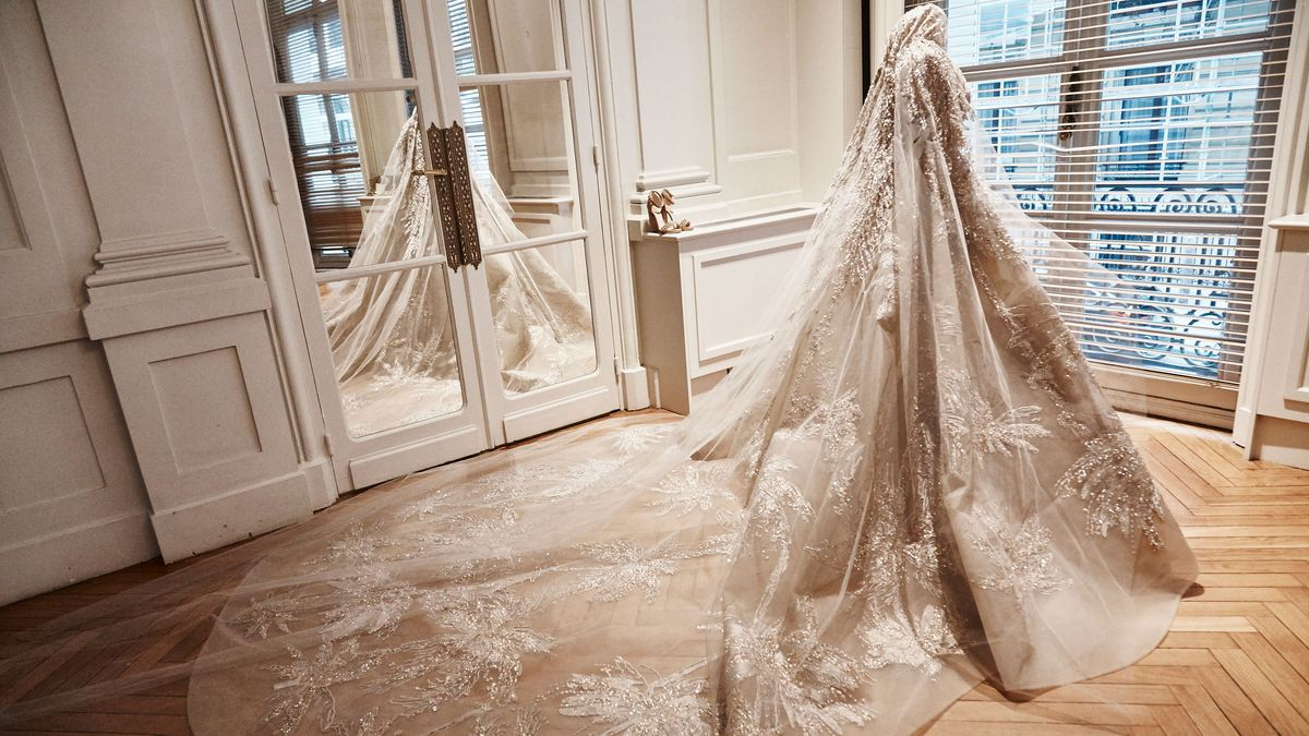 This Wedding Dress Has 20,000 Sequins, 10,000 Crystals, and Took 22 People More Than 3 Weeks to Make