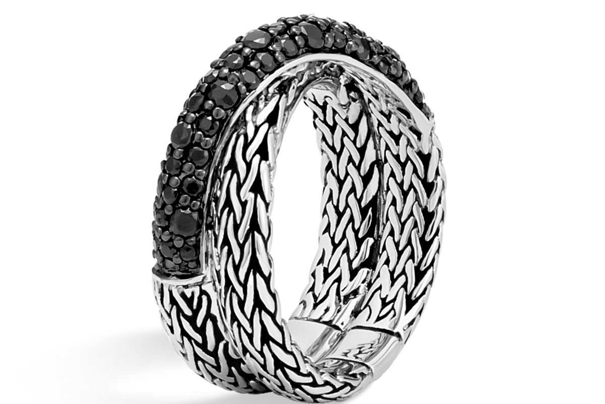 Classic Chain Overlap Ring with Black Sapphire