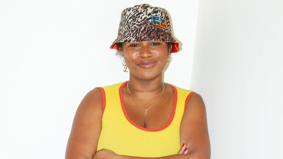 shop summer 2019 bucket hat trend
