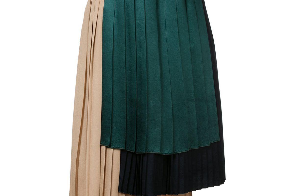 Asymmetric stepped hem pleated skirt