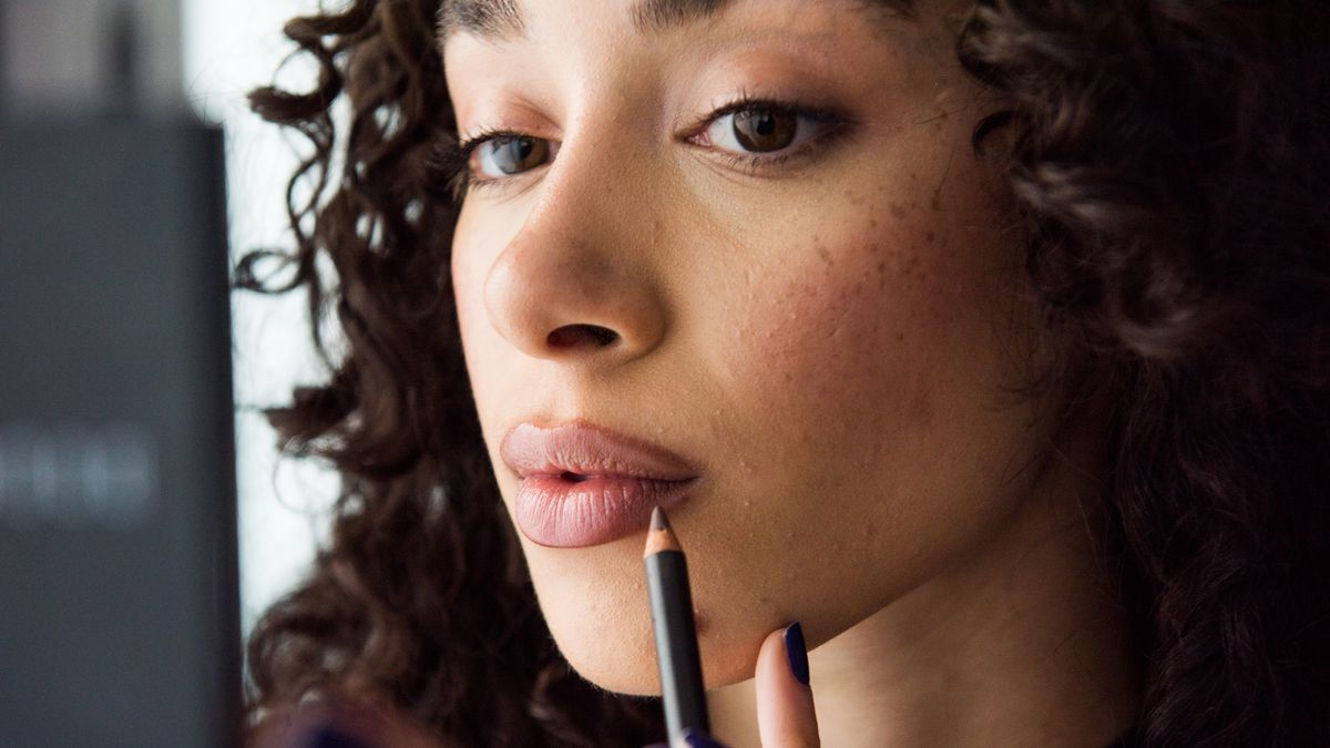 how to achieve sculpted lips