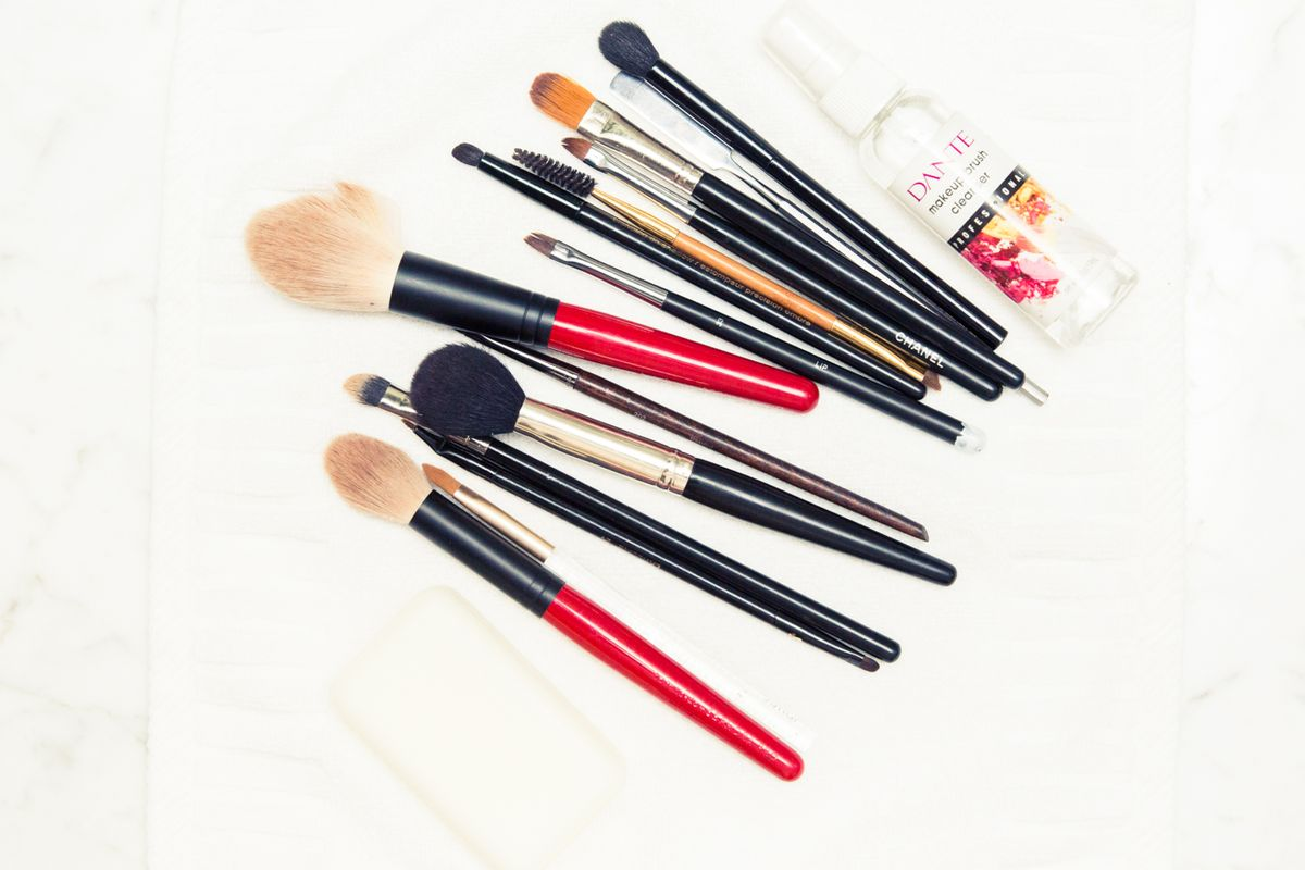 FYI: You Might Be Cleaning Your Makeup Brushes The Wrong Way
