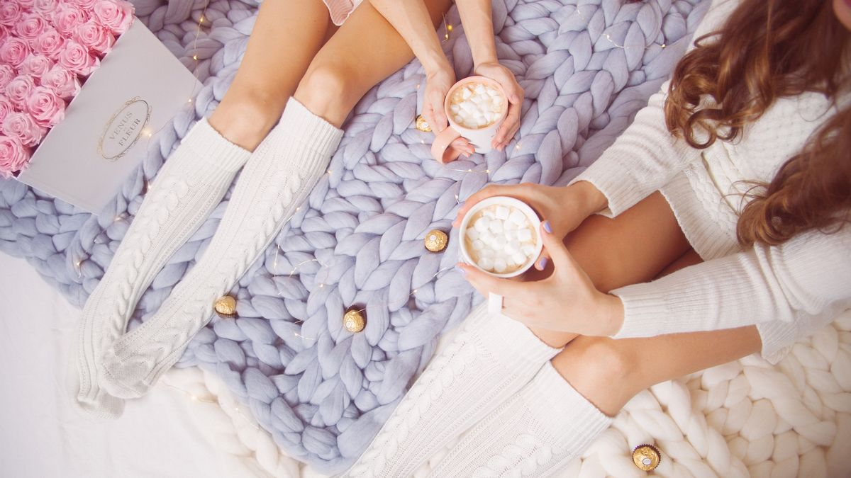 19 Giant Blankets to Buy for the Coziest Winter Ever