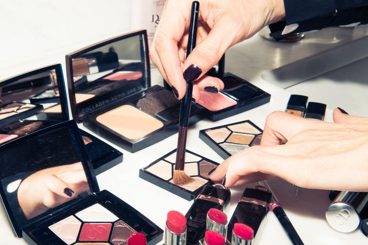 What Oscar Day is Like for Felicity Jones's Makeup Artist