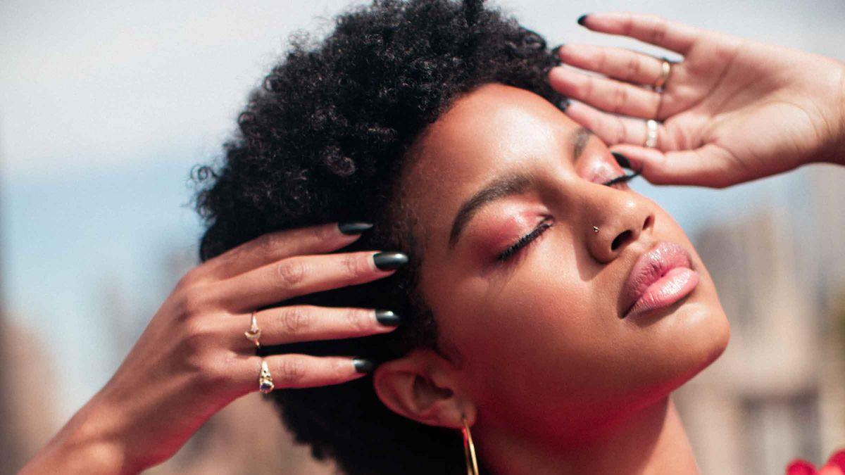 Ebonee Davis' Beauty Routine Is Surprisingly Simple