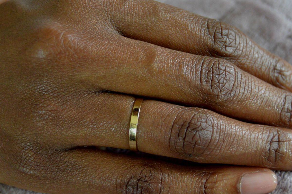 lola ade gold band ring