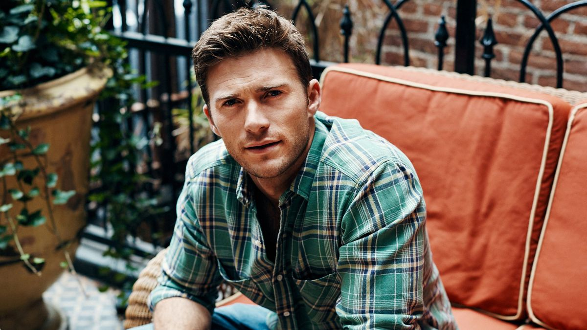 """Scott Eastwood Says He Has a """"Healthy Disrespect for All Rules"""""""