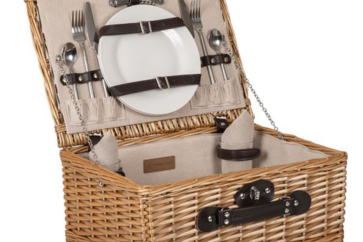 pottery barn classic woven picnic basket set for 2