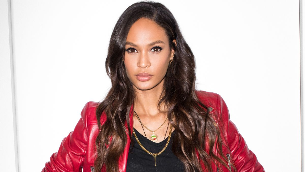 Joan Smalls Has Mastered Our New Favorite Eyeliner Technique
