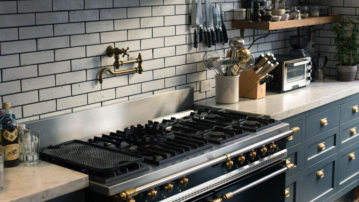 This Is The Most Popular Kitchen On Pinterest