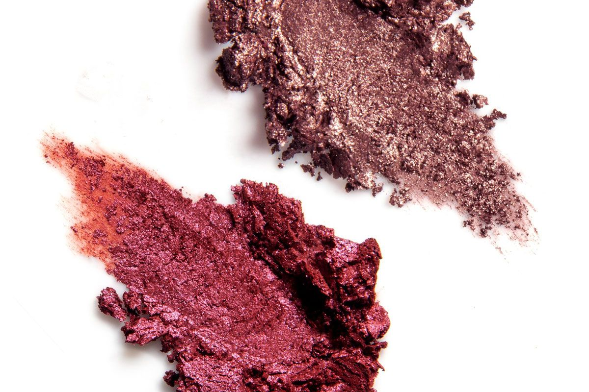 rituel de fille incantation and circle of fire ash and ember eye soot