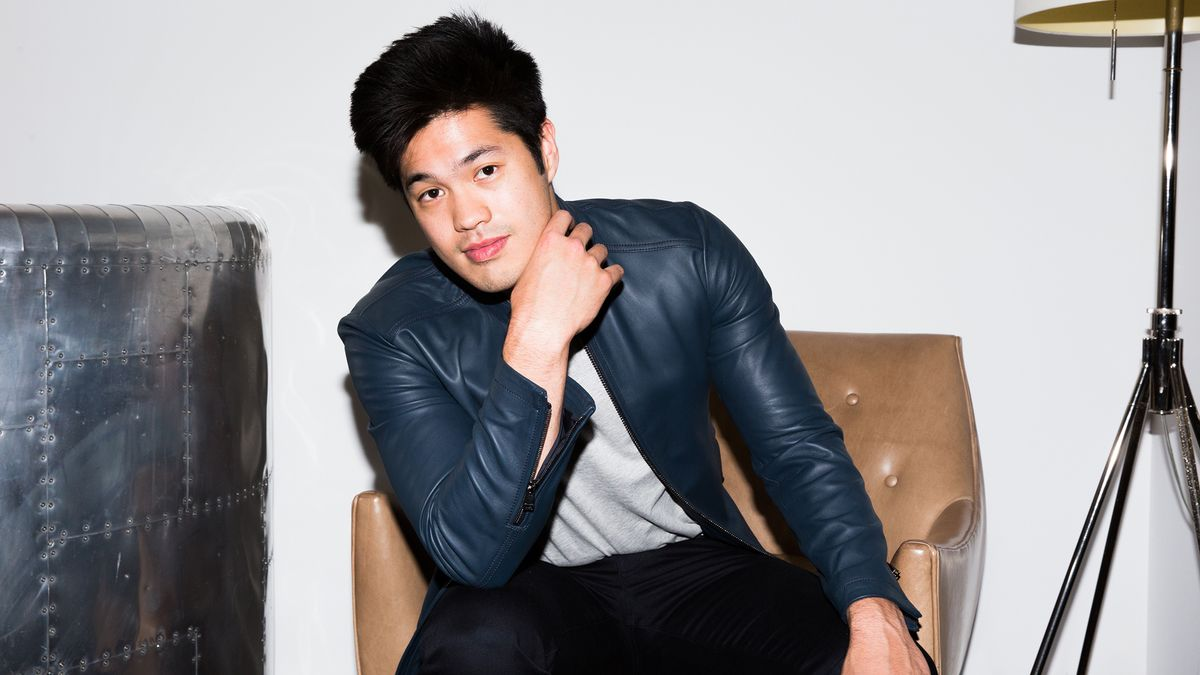 Ross Butler Makes a Good Point about That Note from 13 Reasons Why