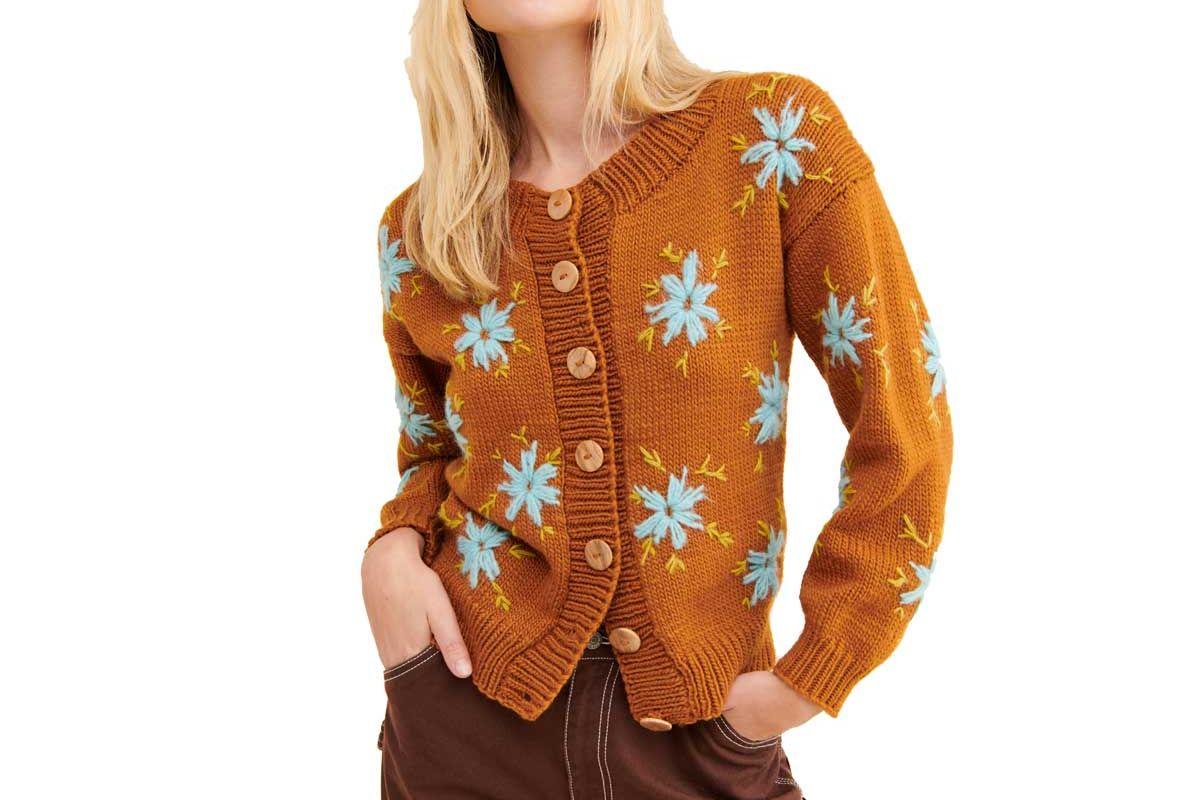 tach lucero sweater