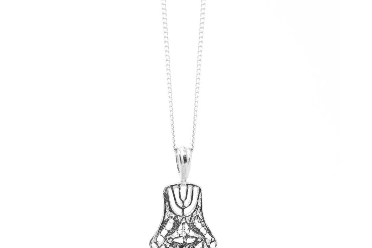omi woods the hamsa necklace i