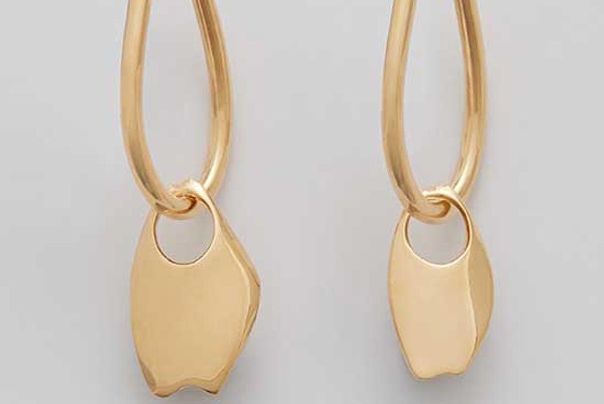 cuyana asymmetrical petal hoop earrings