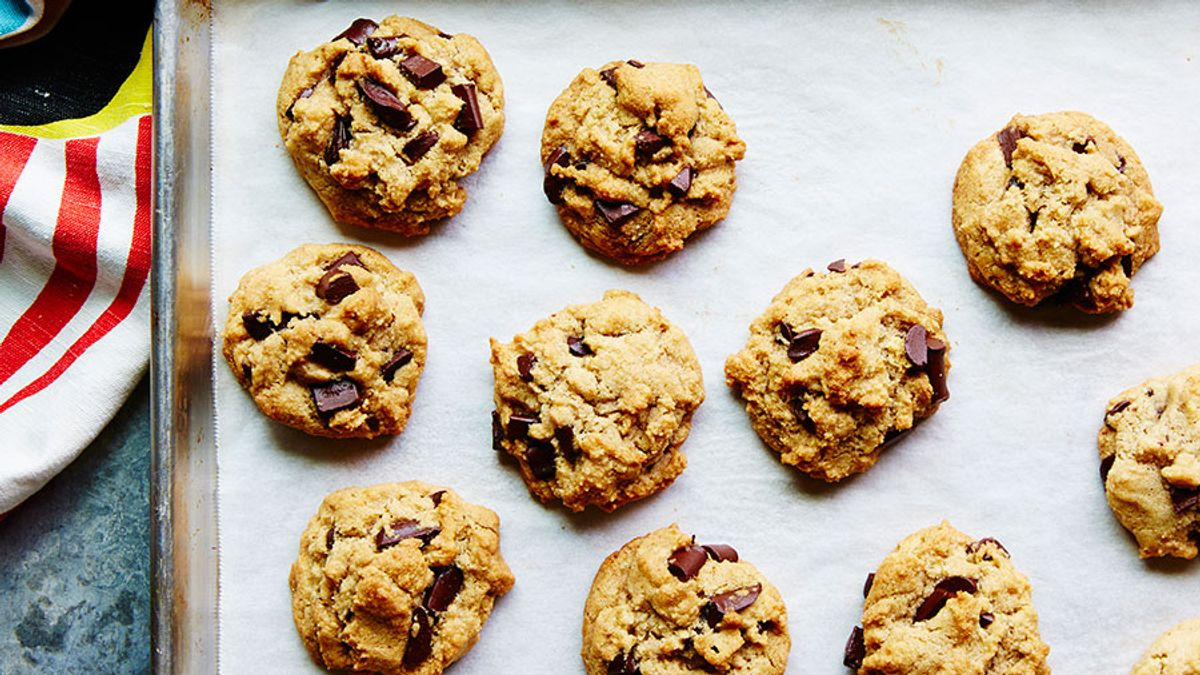 Vegan Chocolate Chip Cookies You'd Never Guess Were Healthy