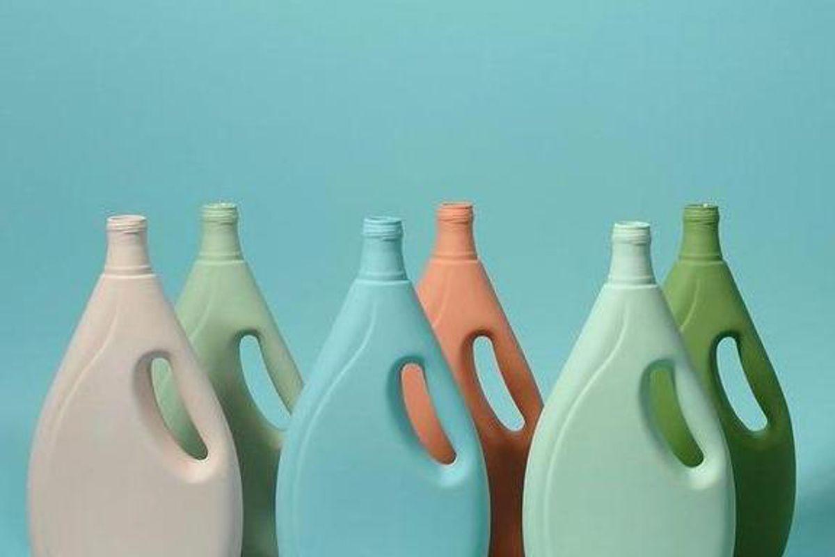 apple and oak laundry detergent porcelain vase