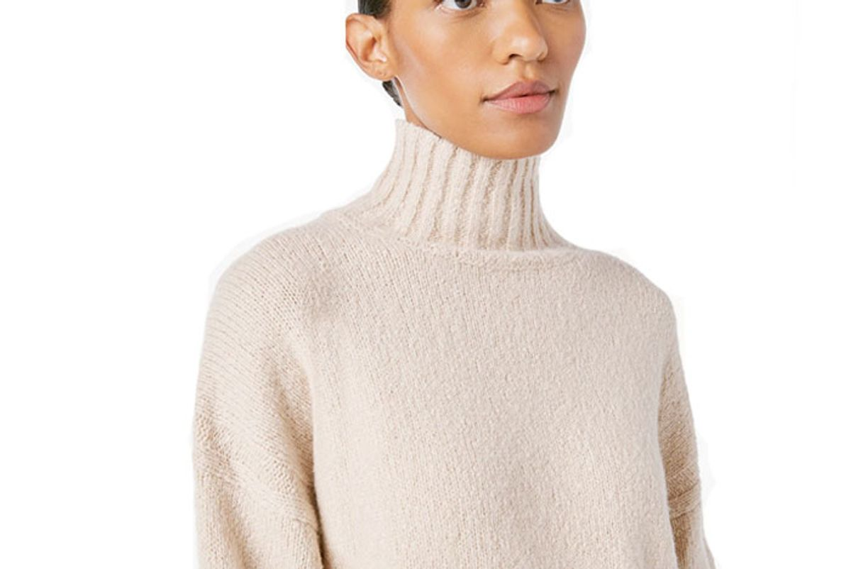 frame side slit turtleneck