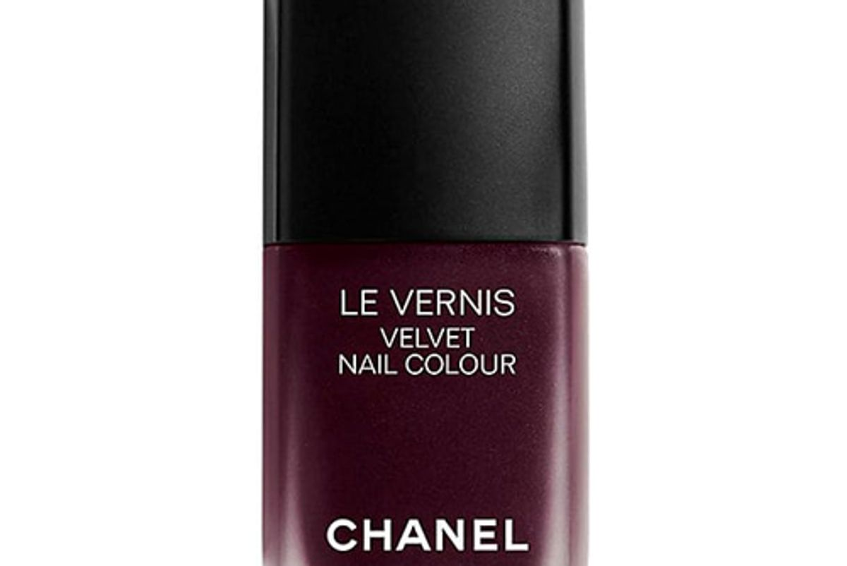 chanel le vernis longwear nail color in profondeur