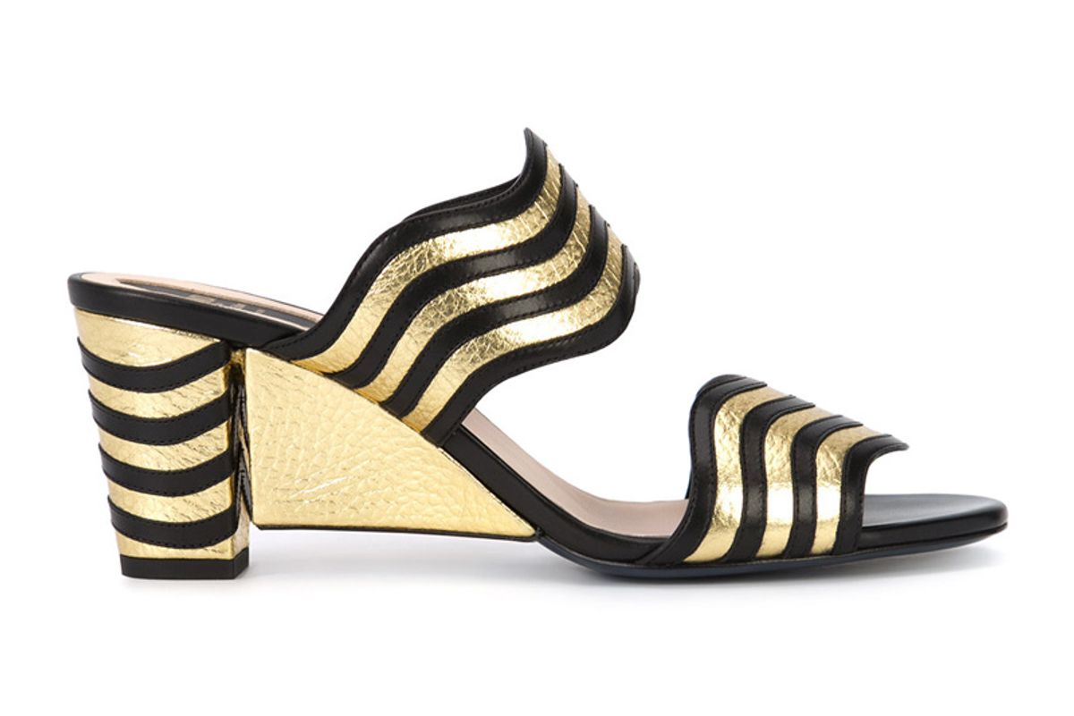 Waves Sandals