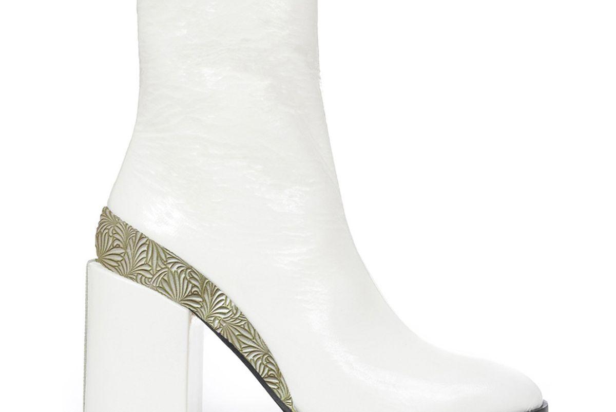 Spirit Boots, White