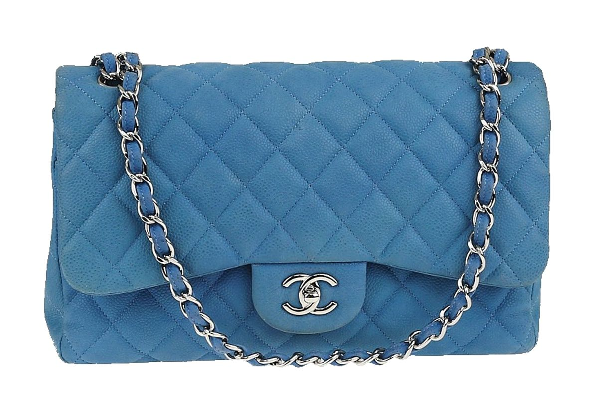chanel classic double flap quilted matte jumbo bag